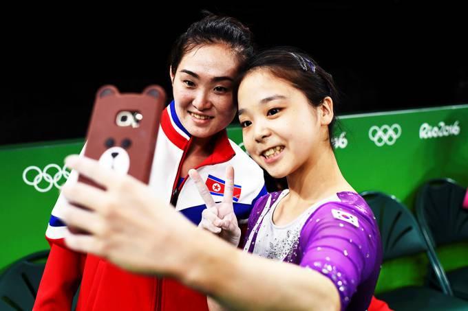 esporte-rio-2016-ginastica-artistica-selfie-coreia-do-sul-norte-20160811-01
